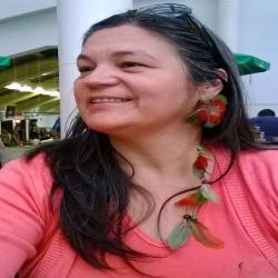 Prof. Urânia Flores  Da Cruz Freitas