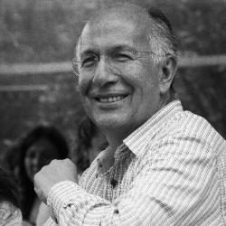 Dr. Ricardo Uvalle Berrones