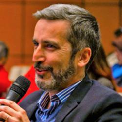 Dr. Agustín Reyes