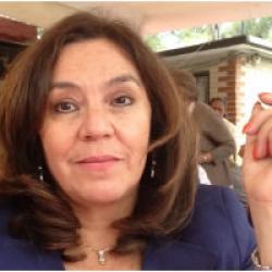 Dr. Rina  Aguilera Hintelholher