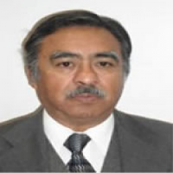 Dr. Roberto  Moreno Espinosa