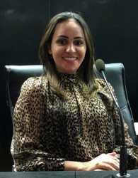 Dr. Rosinele Oliveira