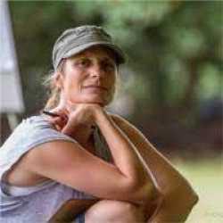 Simone Dale  profile image