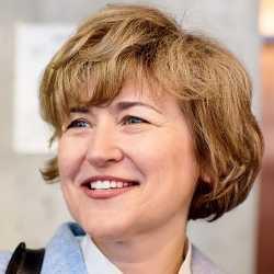 Alyona  Polomoshnova  profile image