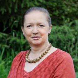 Elaine Mead profile image