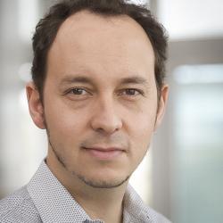 Dr. Daniel Cardoso Llach