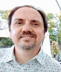 Dr. Luc Berlivet