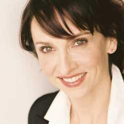 Eliza Jane Schneider profile image